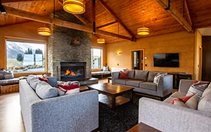 Lake Ohau Quarters - Lounge & Kitchen